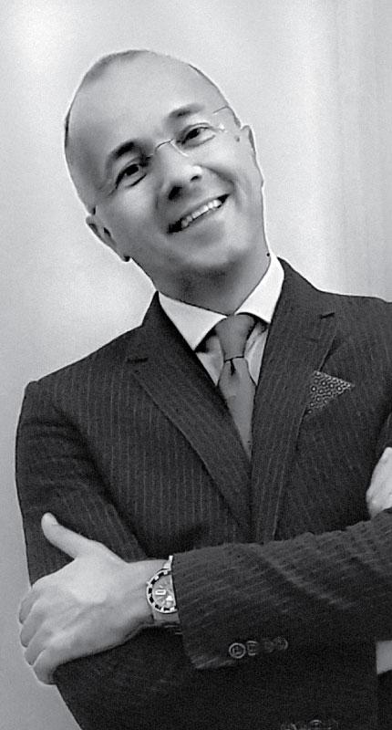 Miloš Pavlović, klavir